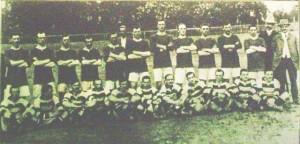 190708_manchester_united_angol_labdarugo_csapat_allo_alakok_es_a_ferenczvarosi_torna_club_csapata_ulo_alakok