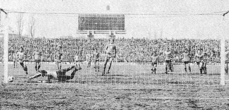 Nyilasi tizenegyesből szerezte a második gólt.