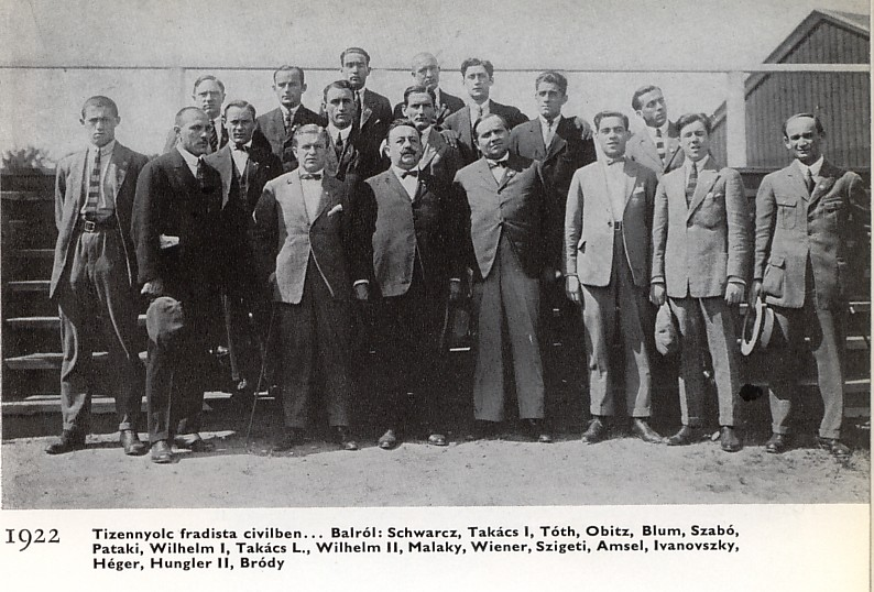 1922_csapatkep_civilben