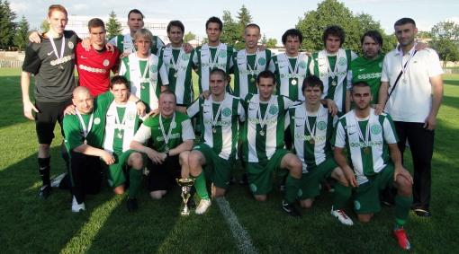 2009-10-csapatkep-nbiii-as-csapat_ermekkel_az_utolso_forduloban