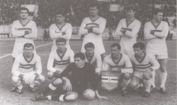 Másfél évvel a VVK győzelem előtt, 1964 januárjában, Viareggioban a Sampdoriát győzte le a Ferencváros ifi csapata. Állnak (balról): Horváth L., Lukács, Páncsics, Szántai, Karsai. Elől: Szőke I., Juhász, Géczi, Varga, Rátkai, Bernáth