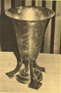 A Ferencváros, amikor 1932-ben Marokkóban portyázott, találkozott Rabat város válogatottjával is. A mieink 11-1-re győztek és a mérkőzés emlékére egy szép ezüst trófeát kapták.