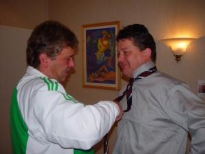 Kabala nyakkendőkötés az UEFA meccsek előtt.