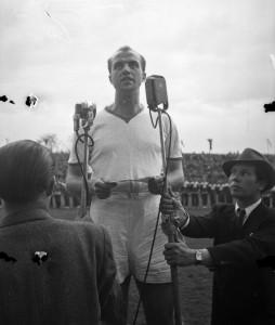 A mérkőzés előtt az MTK 60 éves jubileumának ünnepségét tartották. A ferencvárosi játékosok közül Csanádi Árpád köszöntötte a jubiláló egyesületet. Hidegkúti köszönte meg a baráti szavakat